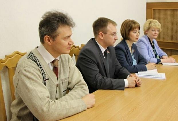 На заседании Постоянной комиссии по образованию, культуре и науке
